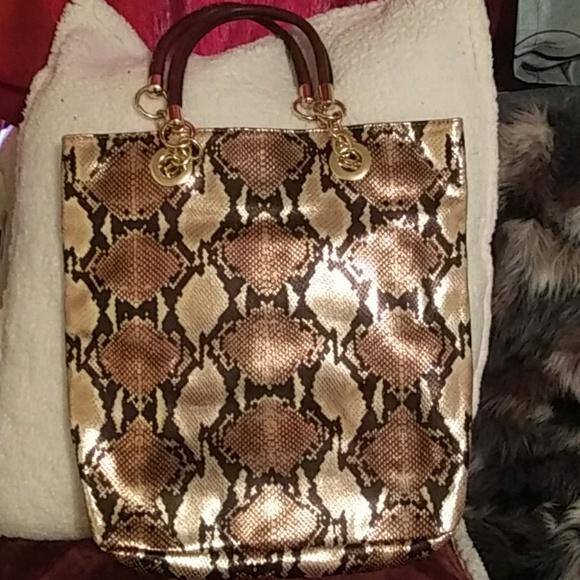 Cynthia Rowley Handbags - Cynthia Rowley leather purse